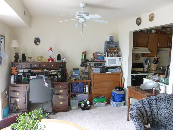 Clean office/craft space