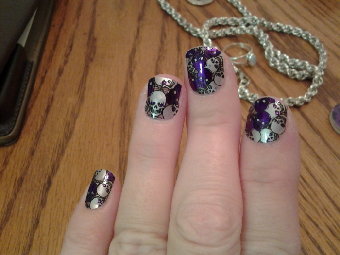 and this is what my nails will look like for this weekend. Tiny skulls. :D