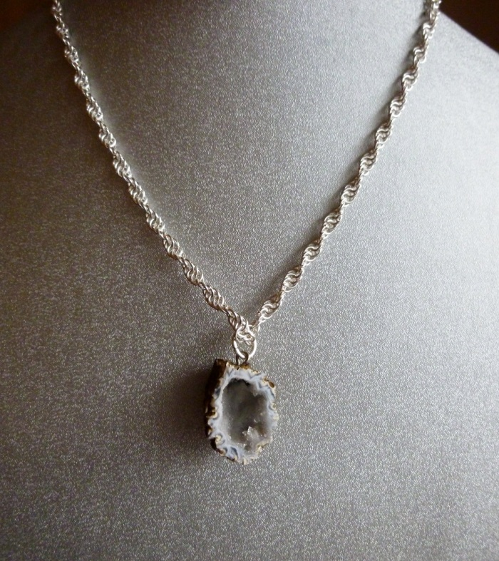 Geode twisted Necklace